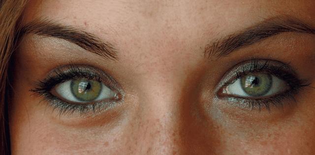 oogcontact tijdens flirten
